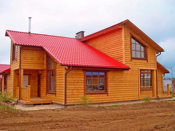 Дом, облицованный деревянным Блок Хаусом