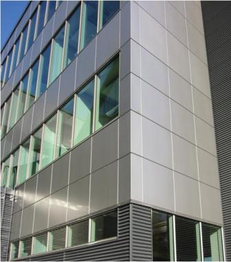 В оформлении фасада могут использоваться сразу несколько типов облицовочного материала.e--