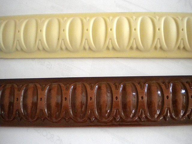 Фасадные элементы из пенополиуретана могут быть грунтованные или окрашенные.