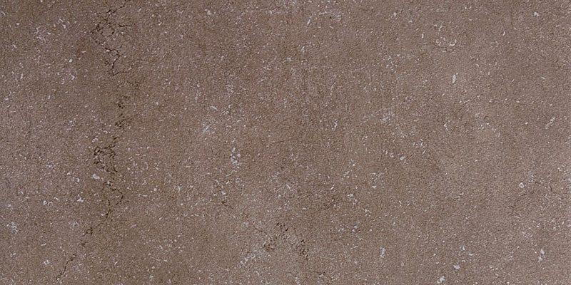Обжиг после нанесения на поверхность некоторых солей дает обладающую легким блеском матовую поверхность — так называемый сатин, по названию похожей внешне ткани