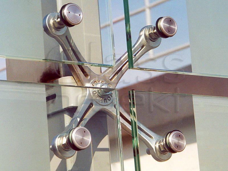 фасадные стеклянные двери
