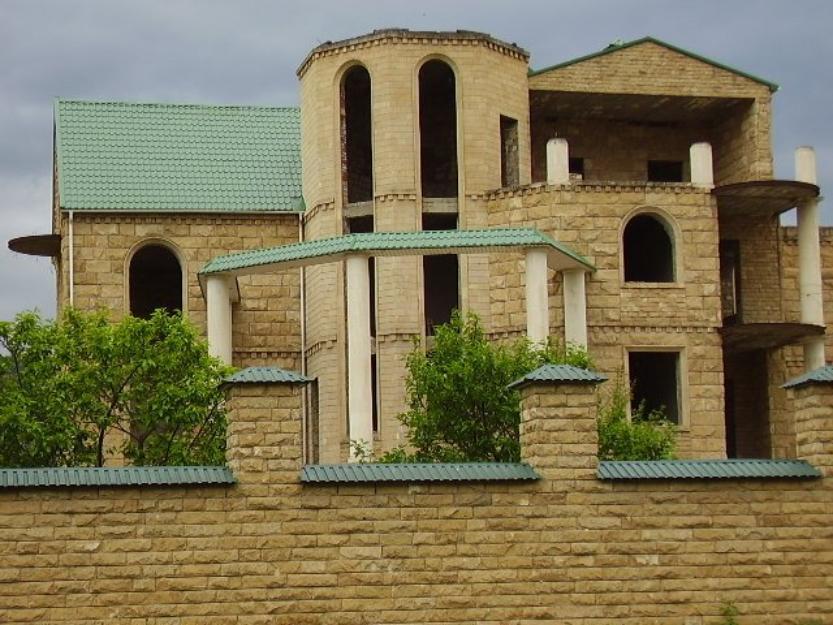 Дагестанский камень в отделке фасада