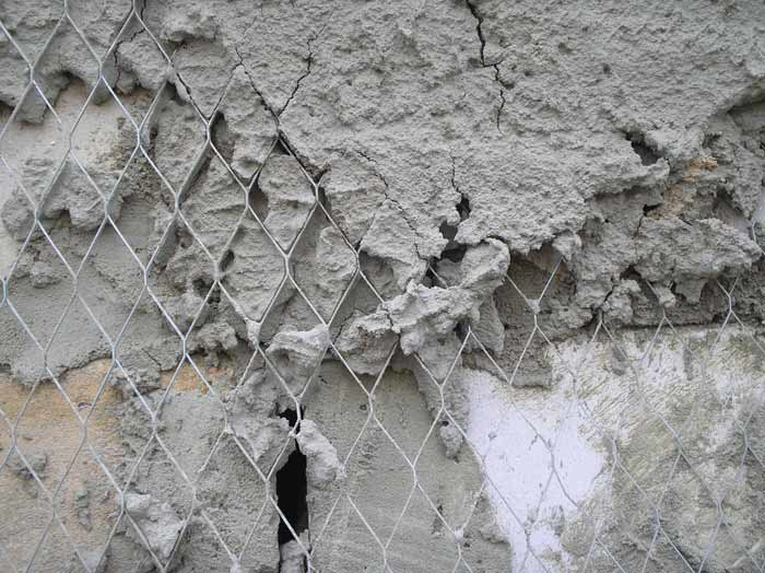 Укрепление стены штукатурной сеткой