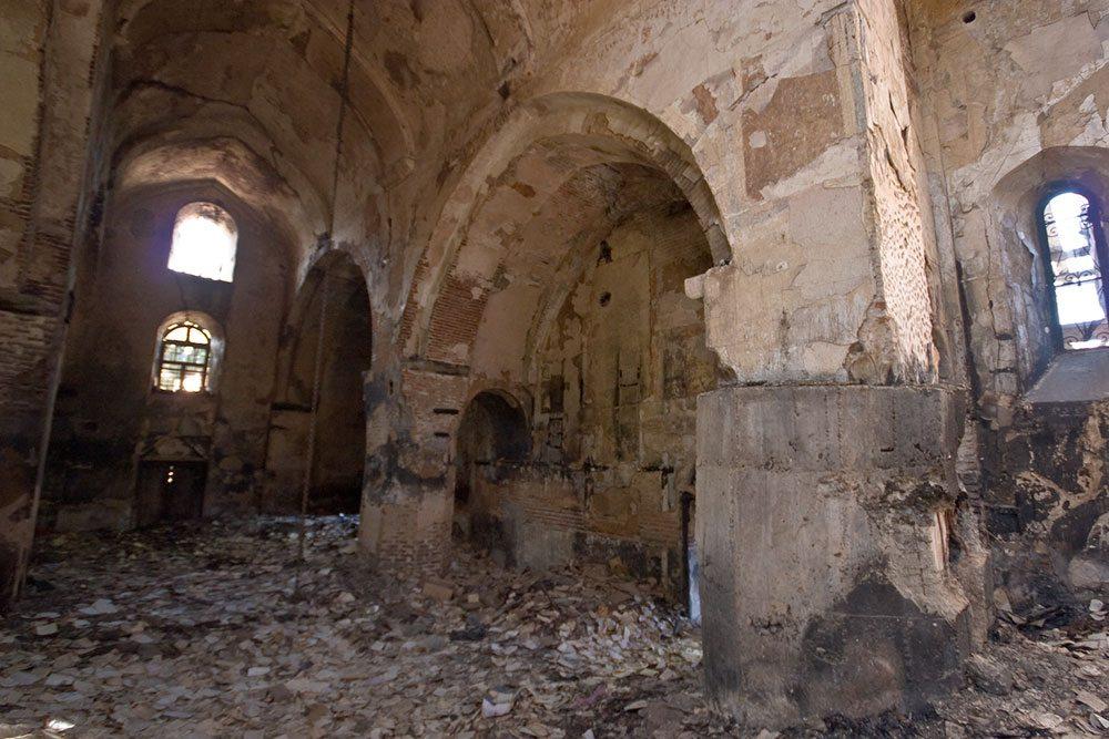 Перепады температуры разрушают стены даже там, где они защищены от дождя