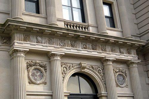 Полировка крашенных фасадов с мрамором
