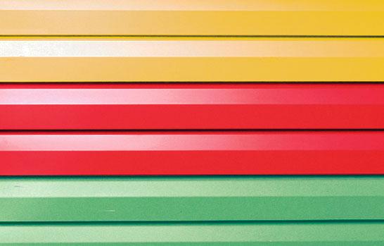 Металлический сайдинг в разном цветовом исполнении