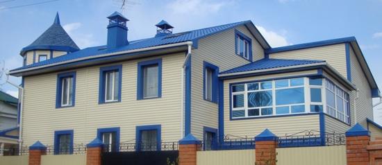 Жилой дом, отделанный металлосайдингом