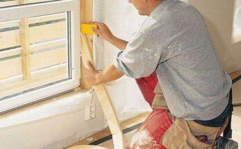 На фото — утепляем окна своими руками с помощью поролона