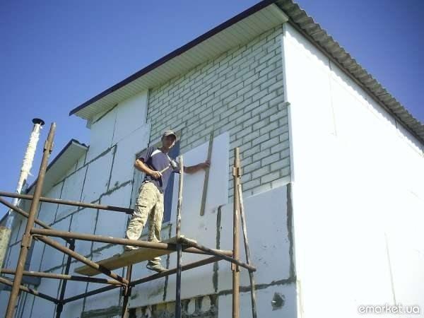 отделка фасадов частных домов короедом