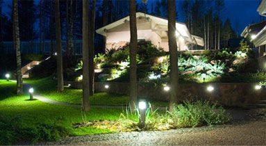 Классическое световое оформление ландшафта