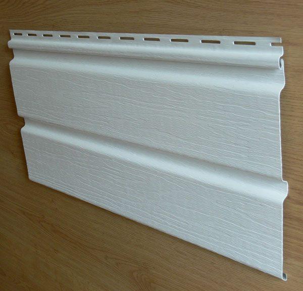 Поверхность двойной панели имитирует древесную структуру в серии Тимберлайн (Timberline)