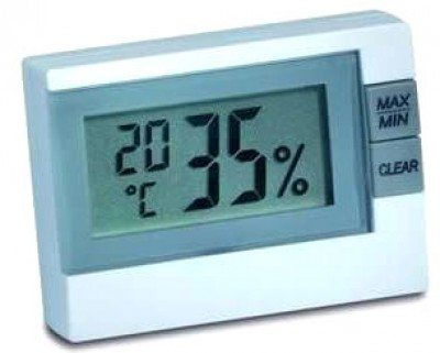Приборы по определению влажности стоят немного, но польза от них огромна