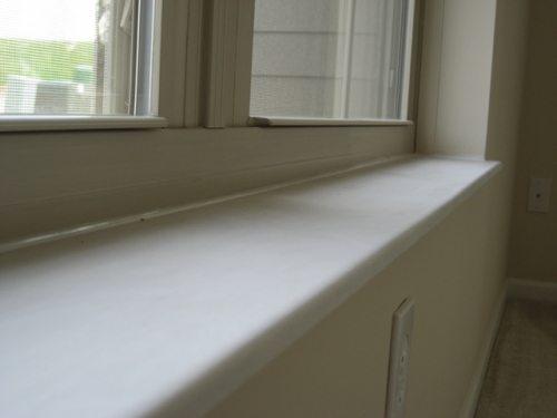 ПВХ подоконник под окном