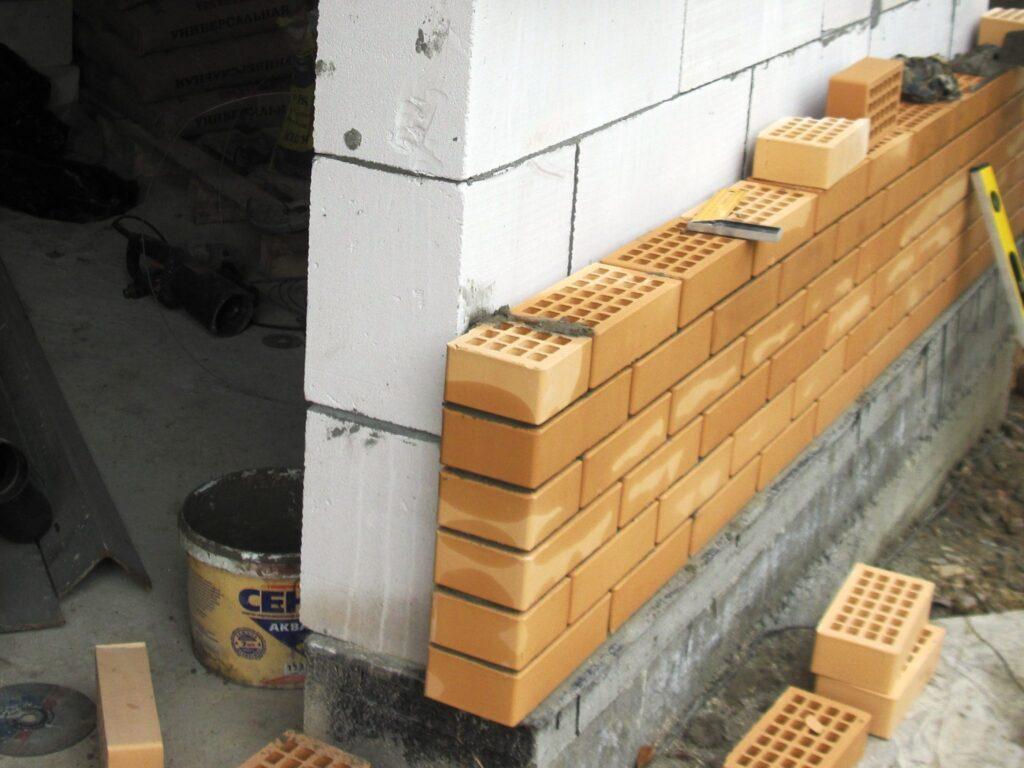 ремонт фасадов кирпичных зданий