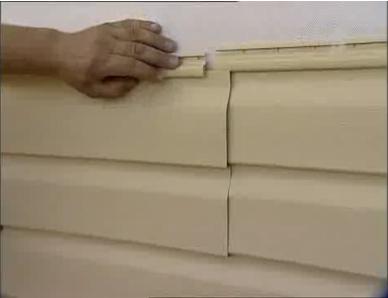 Подрезание гвоздевой планки положительно сказывается и на функциональной части и на декоративной: панели укладываются ровно