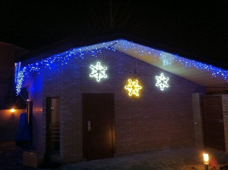 Праздничная подсветка с использованием светодиодной ленты