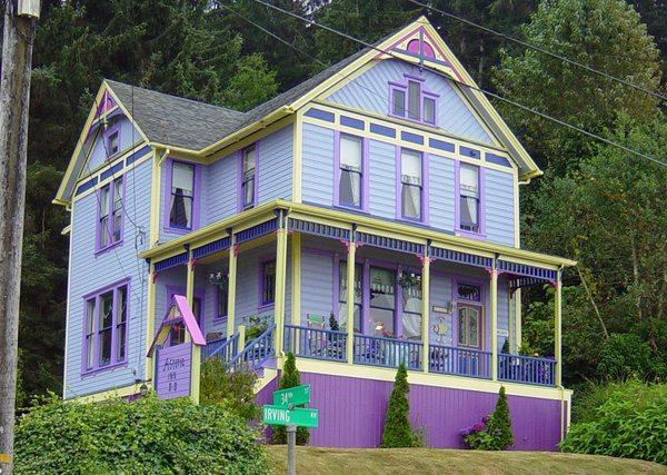 Фасад дома в стиле романтика