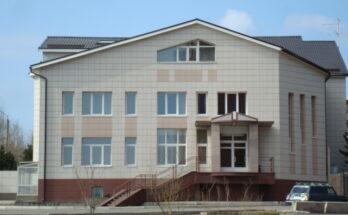 Фасад из керамогранита вентилируемый