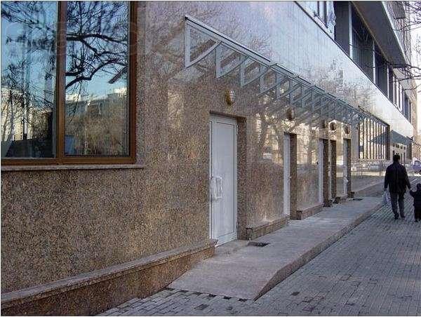 Мраморная облицовка фасада здания