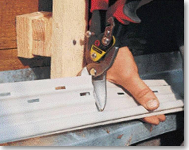 Все лишнее можно по месту подрезать ножницами