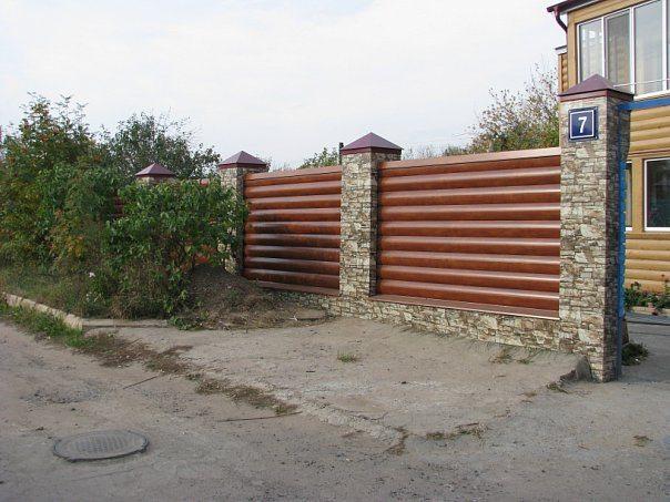 Забор из металлического Блок Хауса