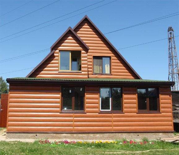 Экономный вариант облицовки фасада дома Блок Хаусом