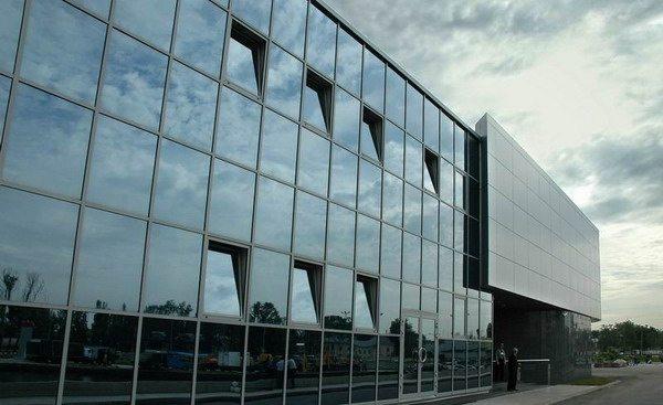 Фасад витражный традиционной стоечно-ригельной системы