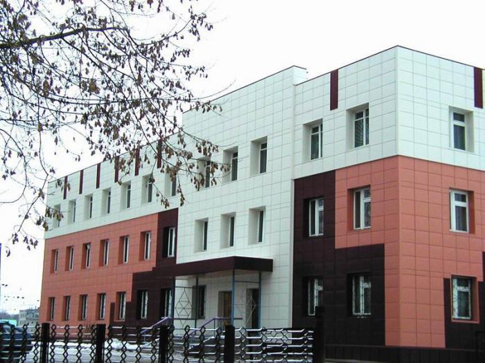 Вариант вентилируемого фасада с использованием металлических кассет различных цветов и фактур