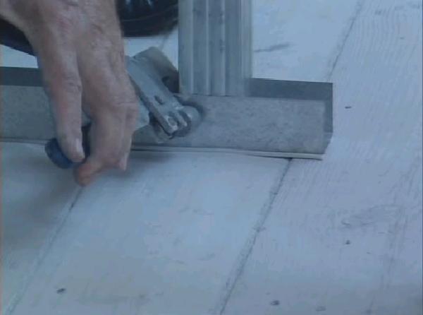 Фото: сборка крепежного профильного узла для монтажа обрешетки на фасад
