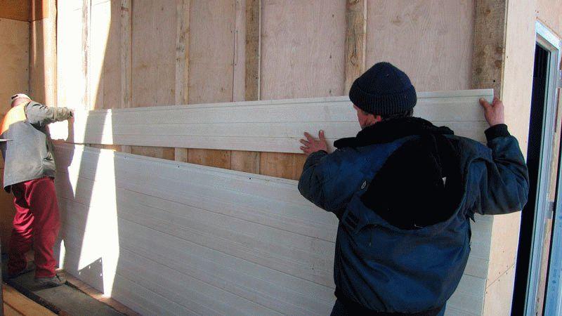 Монтаж панелей сайдинга на обрешетку из дерева