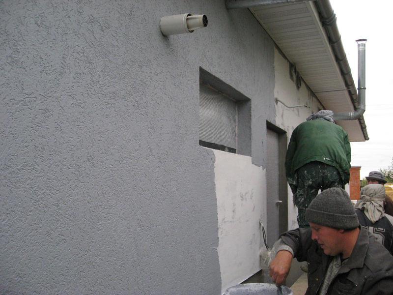 Отделка стен штукатуркой фасада