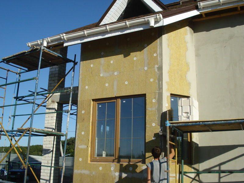 Технология утепления фасада пенопластом: важные мелочи