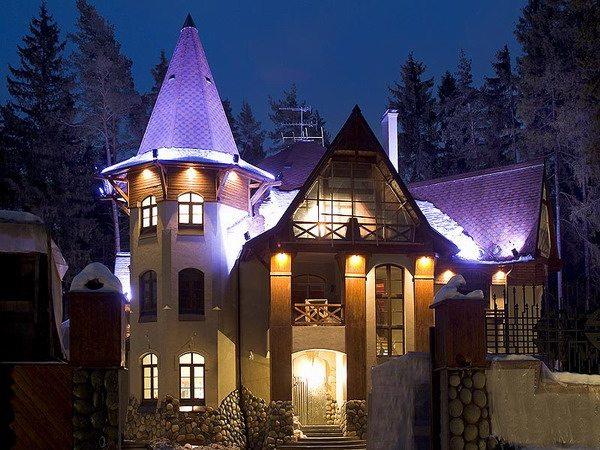 подсветка фасада коттеджа