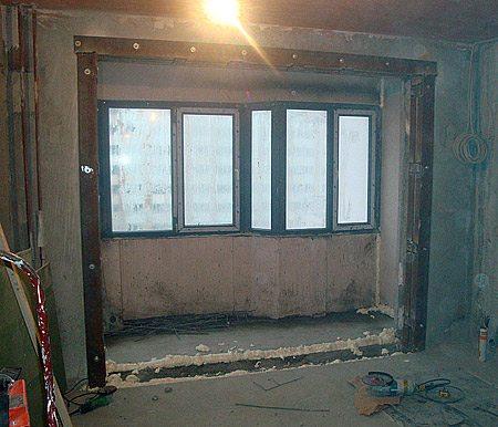 Пример помещения после демонтажа подоконного блока