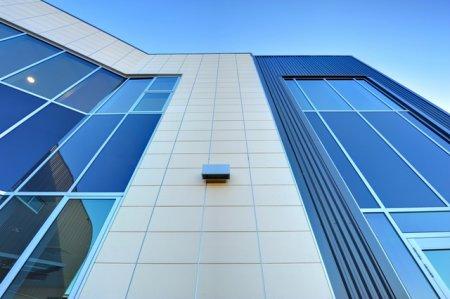 Современный вент фасад здания